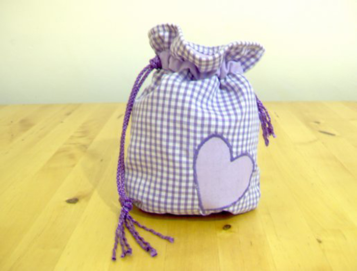 Things to make and do - sew a drawstring bag