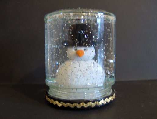 Things to Make and Do - Snowglobe