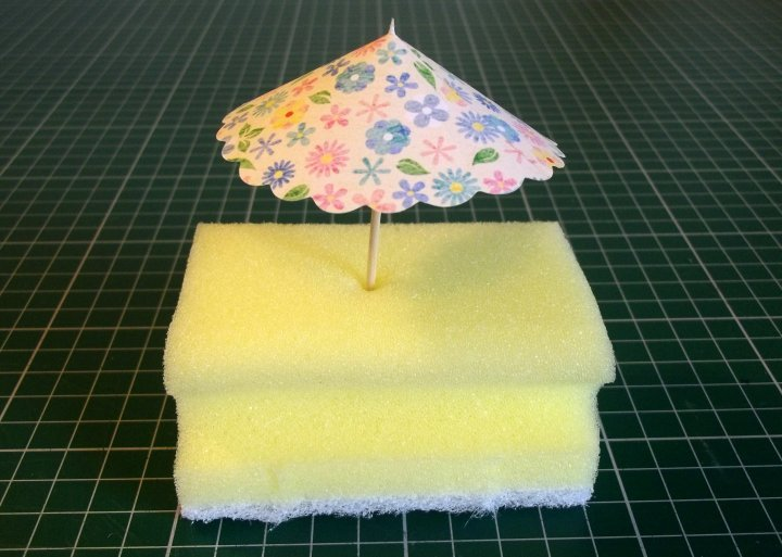 Things To Make And Do Cocktail Umbrellas Amp Cup Cake Flags